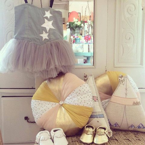 Bella & Lace Gold Pie Cushion - Limited Stock!