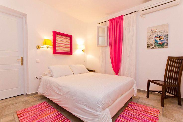 Spetses Suites | Spetses Studio Apartments | Spetses Maisonettes | Villa Nika