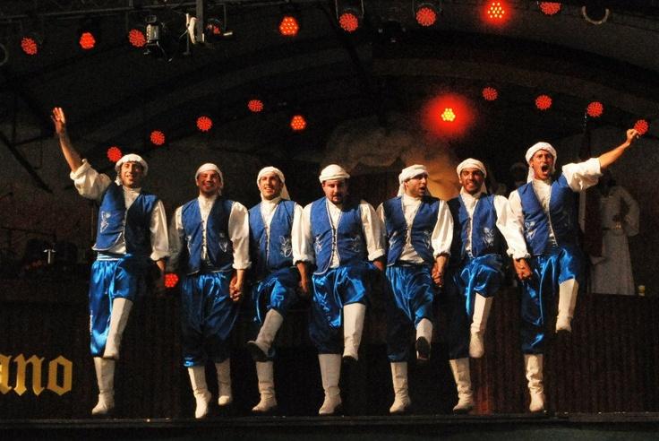 Grupo Haiat - Club Sirio de Rosario. Oktoberfest, Villa General Belgrano, Córdoba, Argentina. 2012
