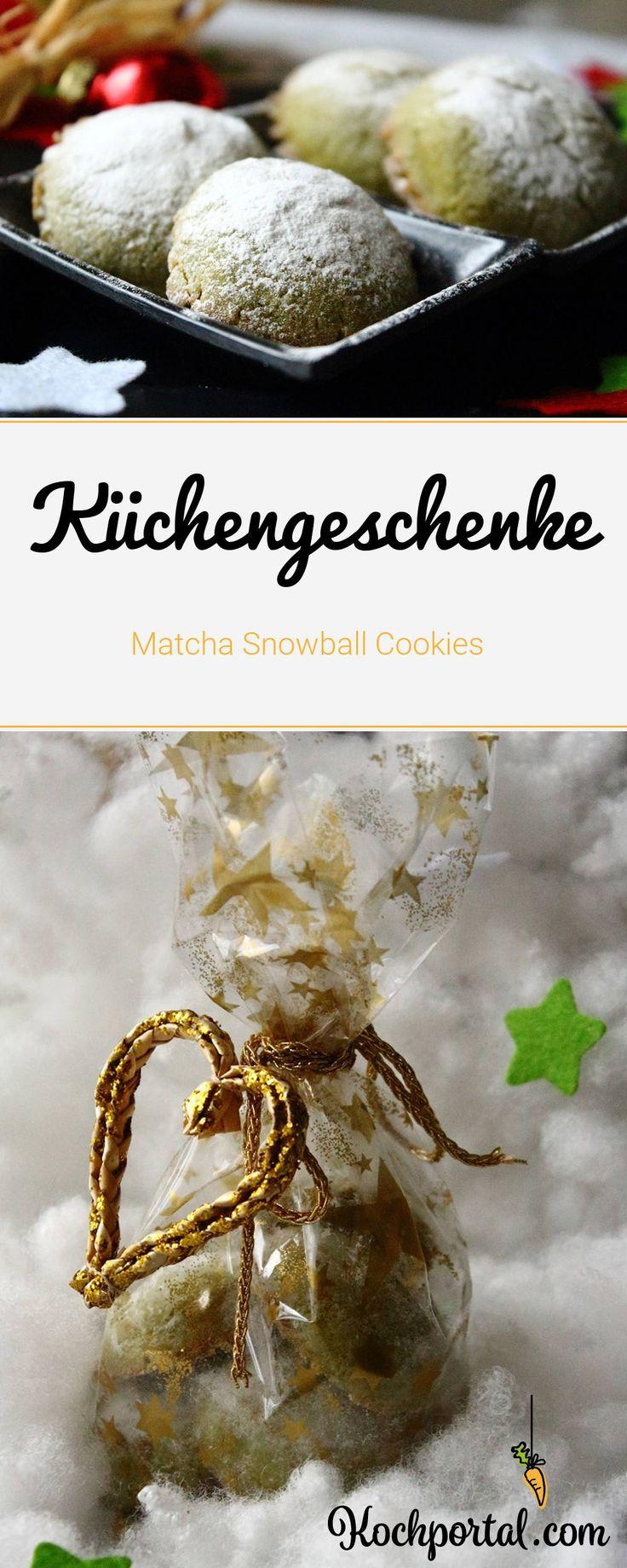 Geschenke aus der Küche - Matcha Snowball Cookies - Kekse mit Matcha - Geschenkidee zu Weihnachten - Plätzchen backen im Winter - ausgefallene Rezepte für Weihnachtsplätzchen