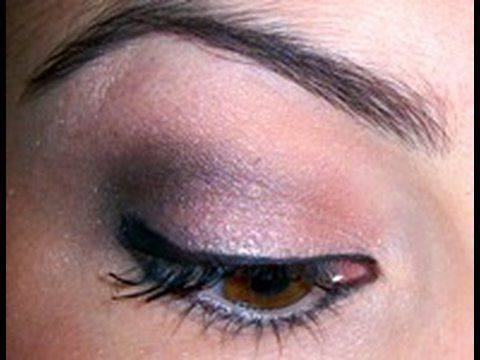 How to Do an Outer V eyeshadow to lift your eyes « Makeup :: WonderHowTo