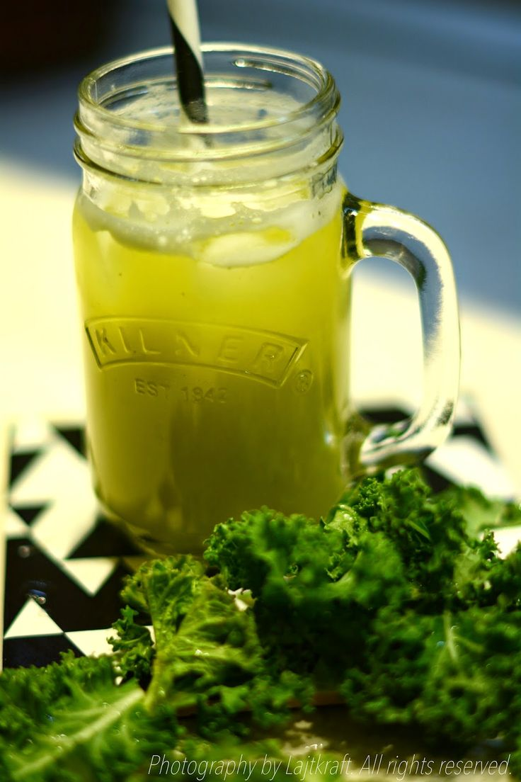 Curly kale smoothie | LAJTKRAFT food