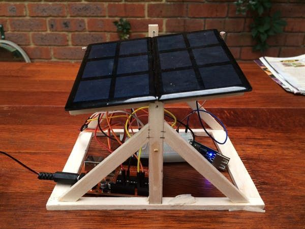 Fun and easy green robot! Build a sun tracking solar array in under an hour. Bonus: charge your phone with free clean energy! By FIELDING.