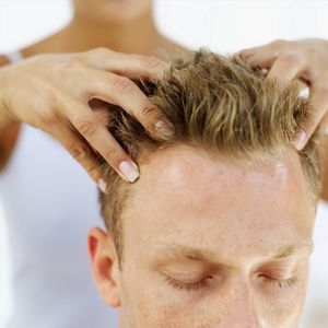 How to Stop a Headache With Acupressure Massage