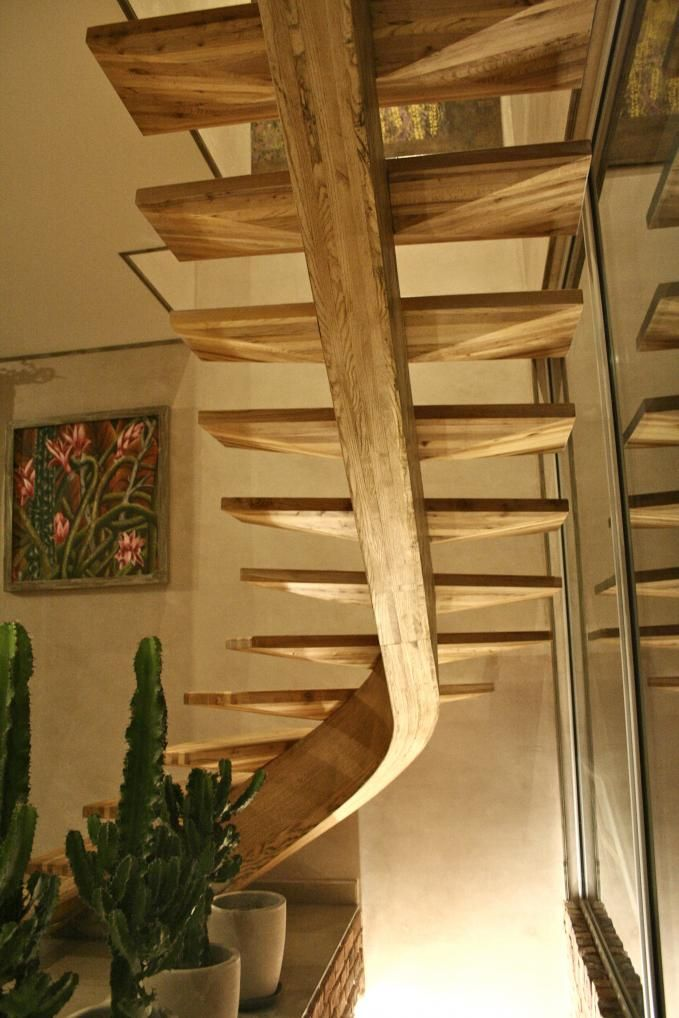 Central Stringer Made With Ash, And Elm Tree Treads. Via Gerriet Charpente