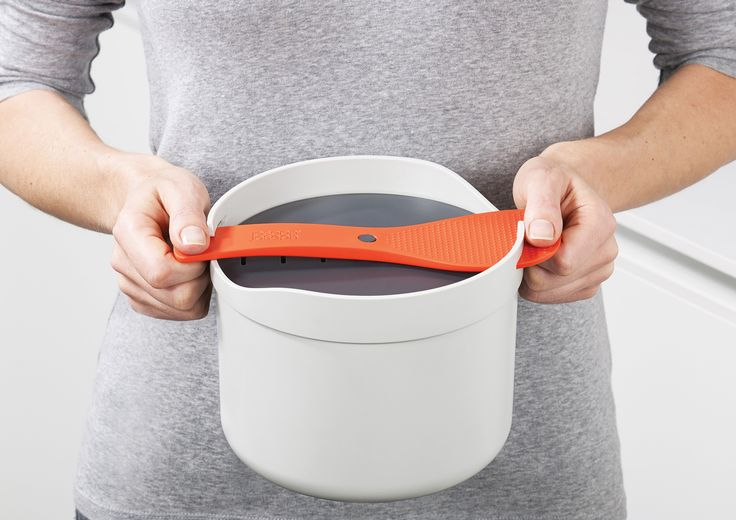 Joseph Joseph Rice Cooker | Closed | Carry View
