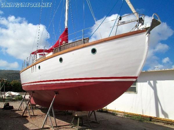 Barca come nuova visto i quasi 70 #anni...motore e #cambio #revisionato nel #2013.  Interni ed #esterni come #nuovi.  incluso anche #tender selva ... #annunci #nautica #barche #ilnavigatore