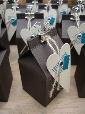le noir est rare pour les boites cadeaux, pourtant ici c'est parfait ! {Bellas} Papierträume