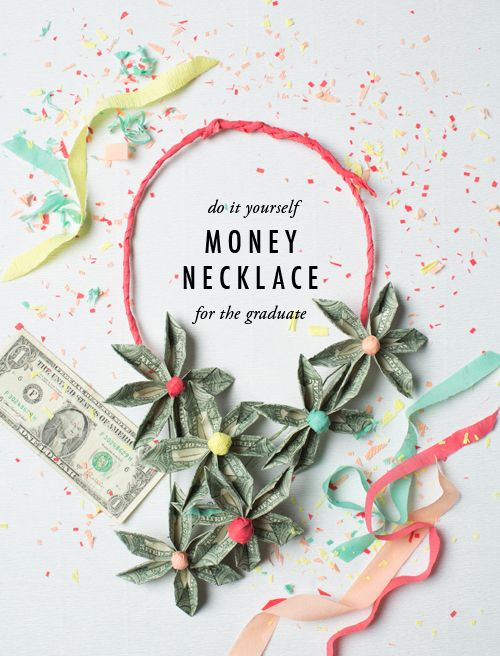 Money necklace DIY made from origami flowers
