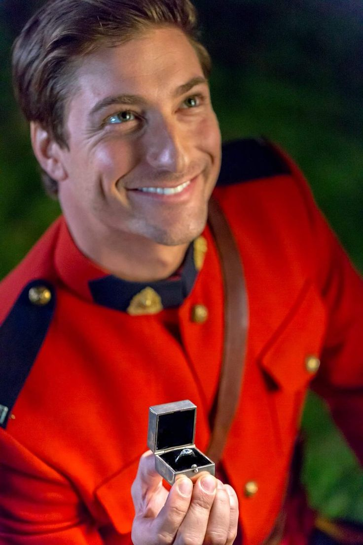 Best 25 daniel lissing ideas only on pinterest for When will when calls the heart return