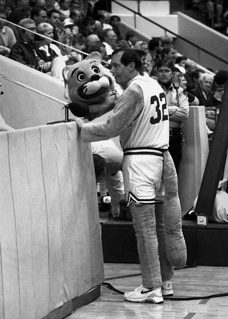 In 1993, at the annual unveiling of the BYU mascot, Cosmo removed his cougar head to reveal President Rex E. Lee (BA '60). #ThrowbackThursday #TBT #RexLeeRun