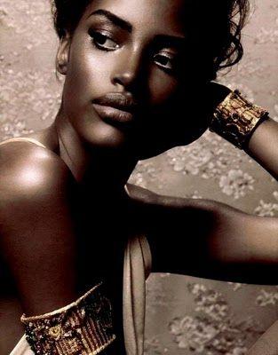 Ana Bela Santos Dolce & Gabbana Leopard Necklace http://DolceandGabbanaLeopardNecklace.gr8.com