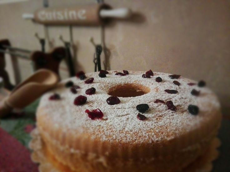 Red-fruits cake