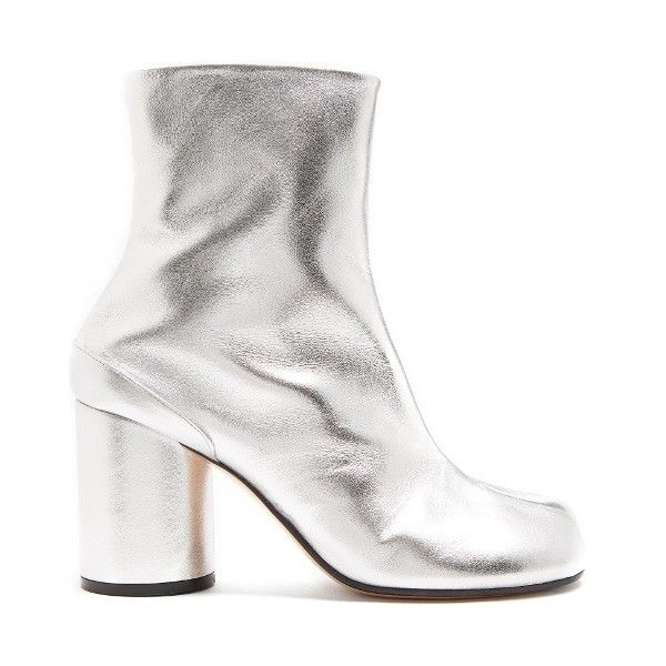 Maison Margiela Tabi split-toe leather ankle boots ($741) ❤ liked on Polyvore featuring shoes, boots, ankle booties, silver, peep toe ankle boots, leather booties, leather peep toe bootie, peep-toe ankle booties and block heel bootie
