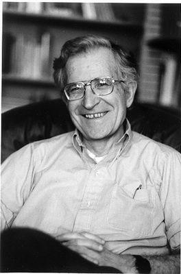 Ноам Хомский — известный американский  лингвист, создатель  классификации формальных языков и формальных грамматик, автор теории  универсальной  грамматики, влиятельный публицист и философ. Придерживается радикально-левых политических взглядов, нещадно критикует внешнюю политику США.