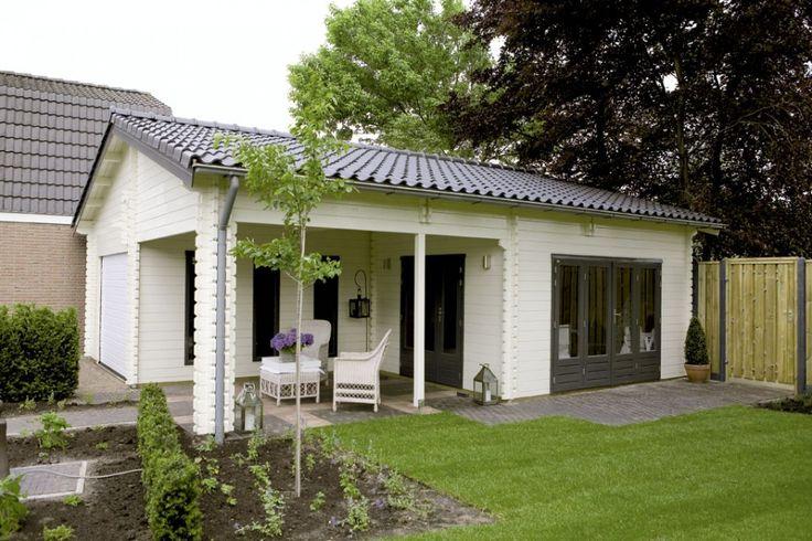 Houten tuinhuis, blokhut - Gastenverblijf of Tuinkantoor of Atelier? Ideaal! <3 Fonteyn - Wooden garden building, shed, cabin.