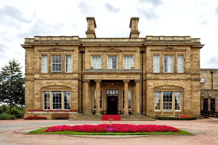 Oulton Hall - is a Wedding venue in Leeds, West Yorkshire. This glamorous country mansion will fulfill all your wedding dreams