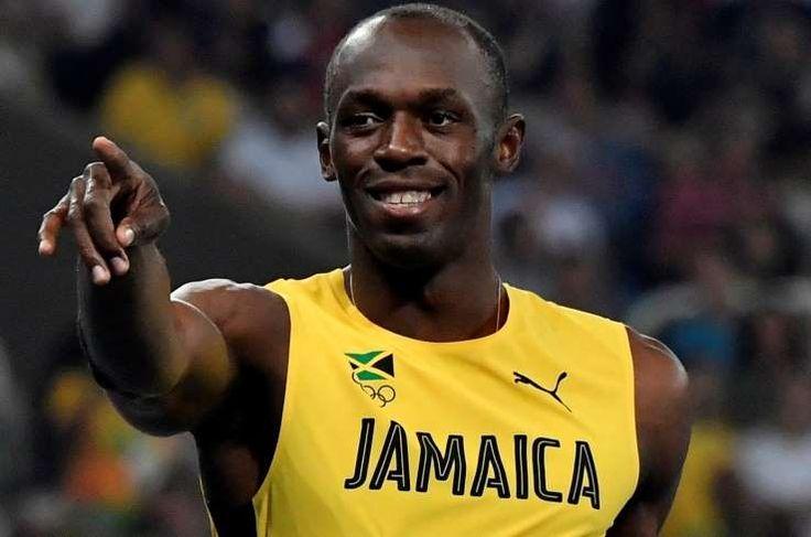 Le timing l'a fait sourire. Et tout de suite, il n'a pas pu s'empêcher d'adresser un petit taquet à son homologue sportif. « Vous avez tellement fait de buzz qu'il veut faire comme moi, changer de sport » a lâché, toutes dents dehors, Florent Manaudou ce lundi lors de sa présentation officielle comme joueur… de handball (au Pays d'Aix Université Club). Evidemment, le champion olympique du 50 m nage libre plaisante. Comme Usain Bolt, puisqu'il s'agit ...