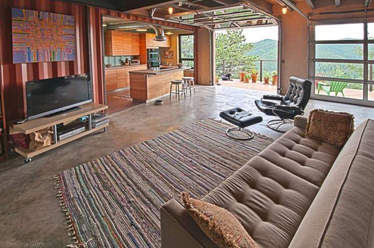 ein schiffscontainer kostet ungef hr euro was diese leute damit anstellen ist einfach. Black Bedroom Furniture Sets. Home Design Ideas