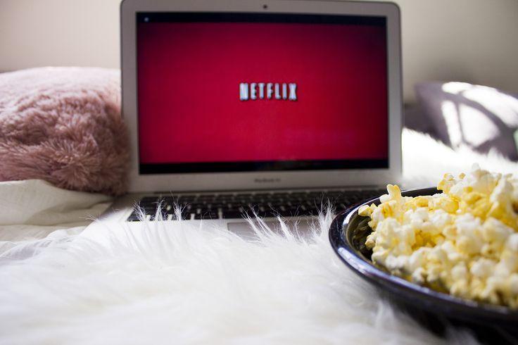 Watching Netflix Tumblr ¡4 Series En Netflix Que Tienes Que Ver Ahora Mismo! Me pase la mayoría de mis vacaciones viendo Netflix y estas son series que me encantaron. ¡Aquí están las series en Netflix que tienes que ver ahora mismo!