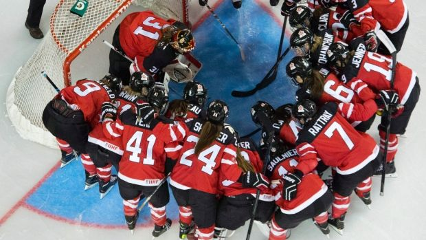 Canada's women's national hockey team will try to regain the world title from the United States as the 2015 tournament get sunderway in Malmo, Sweden starting Saturday.