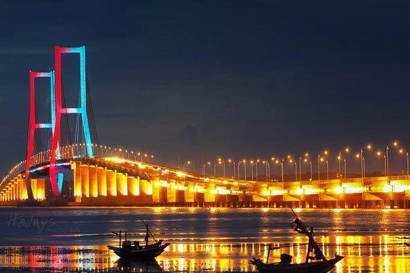 Jembatan Suramadu, Surabaya, Indonesia