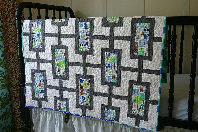 Modern Garden - Will need to develop the strip-piecing pattern for this one.Modern Gardens, Mod Time Quilt, Quilt Ideas, Baby Boys Quilt, Gray Fabrics, Modern Time, Modern Pattern, Modern Quilt, Baby Quilt