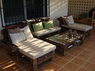 Zona chill out hecha con palets reciclados decoraciones - Decoracion con reciclados ...