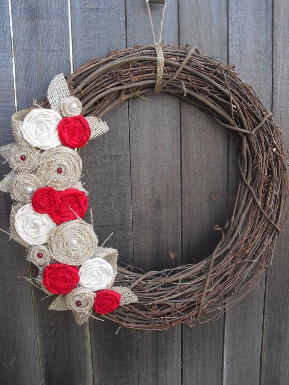 Burlap+Wreath++....pretty  this is a ncnicee Fall wreath for indoors or out.