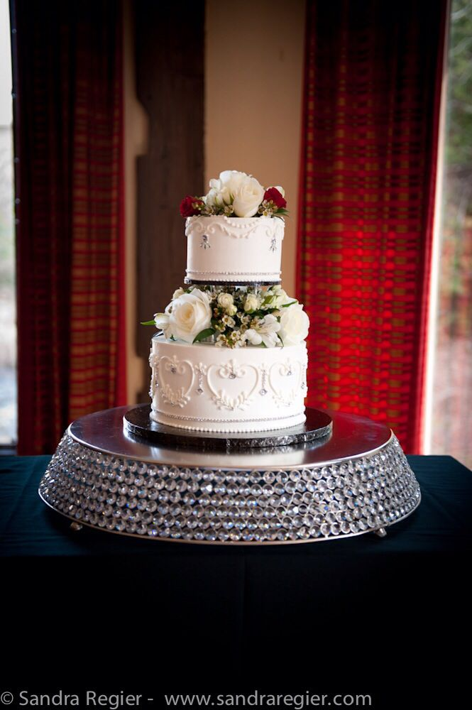 Bling cake stand!  Sparkle, dazzle and elegant are just a few words that can be used to describe this beautiful stand that will have all your guests talking!