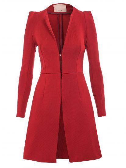 Um bom casaco de inverno é essencial para compor looks bonitos nos dias mais…