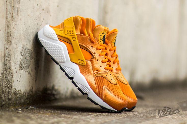 Nike Wmns Air Huarache Run Sunset/ Gold Dart-White-Black za skvělou cenu 1 891 Kč koupíte na Footshop.cz