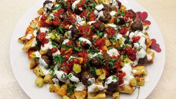 Yanardağ Kebabı Nasıl Yapılır? , #fırındaköfteyemekleri #kıymalıköftetarifi #köfteliyemekler #kolayköftetarifi , Güne güzel bir lezzetle devam ediyoruz. Fırında et yemekleri tarifleri arıyorsanız lezzetli bir tarifimiz var sırada. Kıymalı patatesli yemek... https://videohanim.com/yanardag-kebabi-nasil-yapilir-video/
