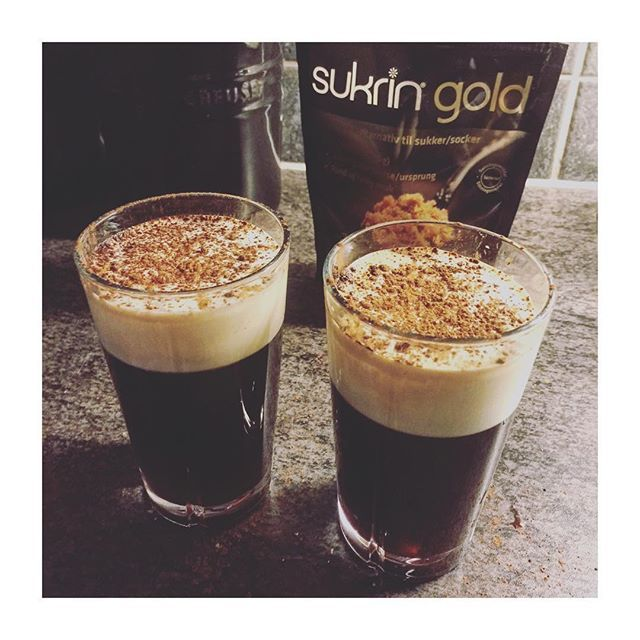 #rosendahl #lchf #lavkarbo #sukringold #irishcoffee #jameson #whiskey #cheerstotheweekend  #weekend #lillelarvenaldrimett Oppskrift ligger på bloggen