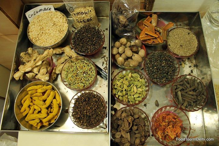 Learn about proper usage of spice in India #spices #india #cooking