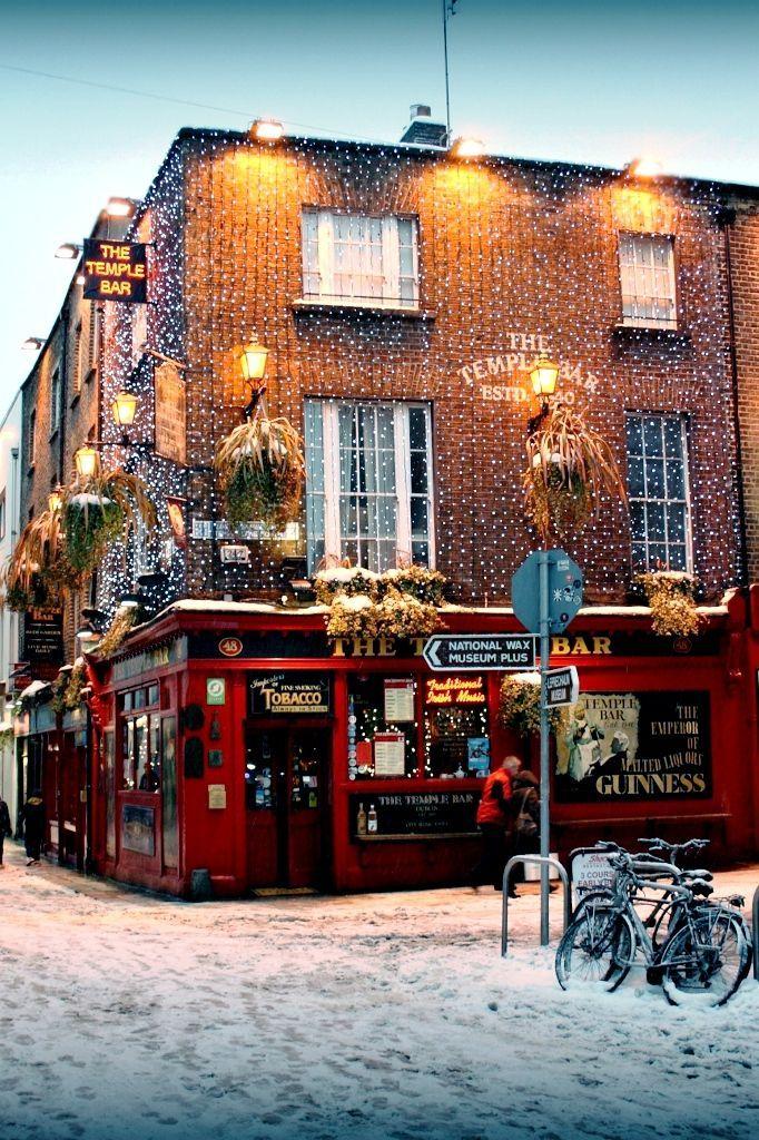 Christmas in Temple Bar, Dublin, Ireland.