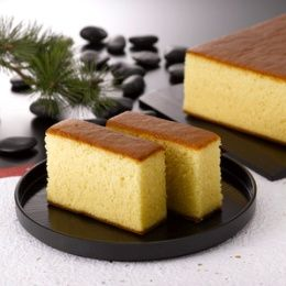 Portuguese Sponge Cake This Portuguese sponge cake is a simple cake, yet refined technique produces the most amazing texture that the Japanese have perfected.