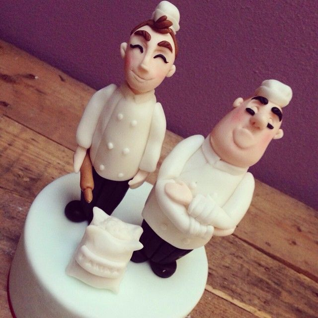 Cake topper per due panettieri #dolcelab #cakedesign