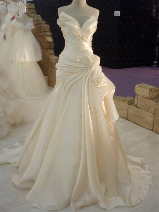 Best 25 satin wedding dresses ideas on pinterest satin for Cream colored lace wedding dresses