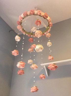 XL Vintage erröten Filz Blume mobile Rosen und Perlen Baby Mädchen Kinderzimmer Dekor Garten hübsche Kinderzimmer hängende Dekor, größere Größe   Babydusche
