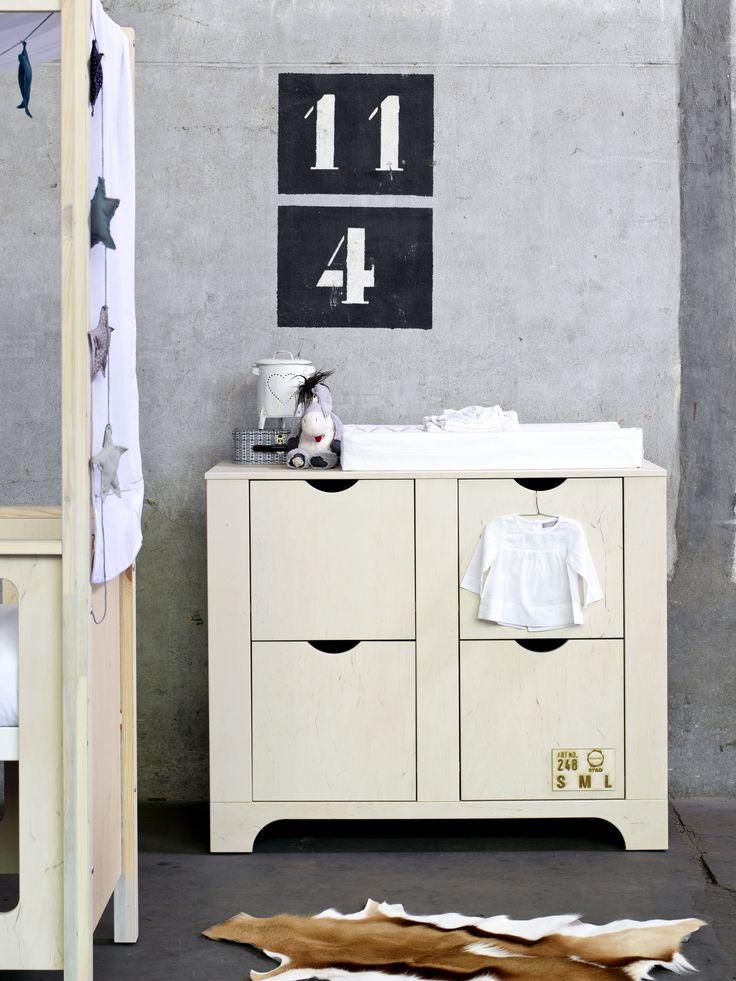 17 Best images about u2605 Kids room on Pinterest : Closet bed, Grey bed ...
