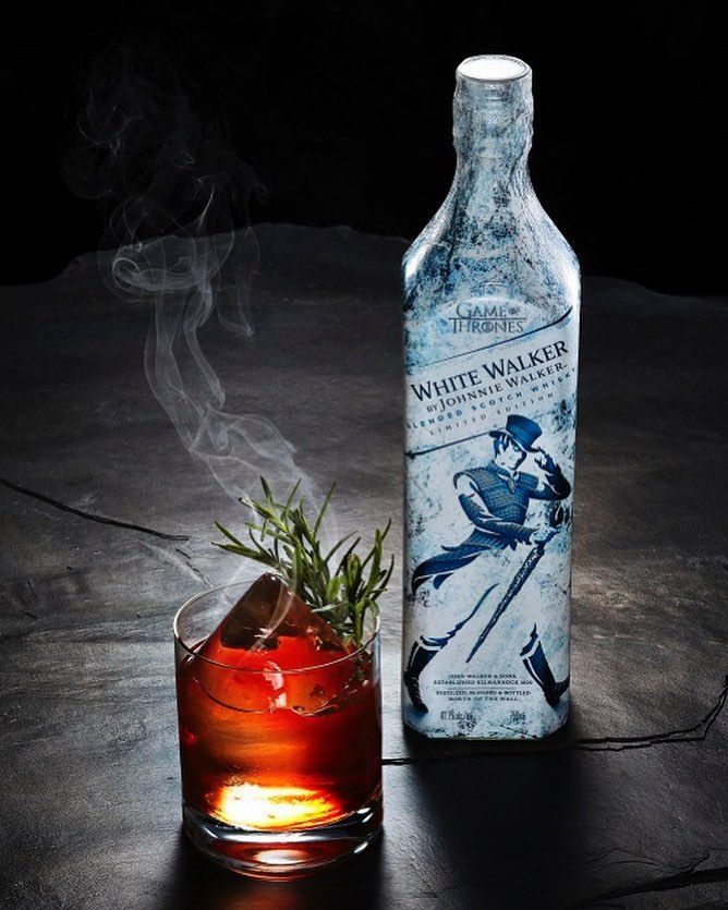 A Limited Edition Johnnie Walker Whiskey Inspired By Game Of Thrones Grab One Before It S Too L Game Of Thrones Cocktails Johnnie Walker Game Of Thrones Drink