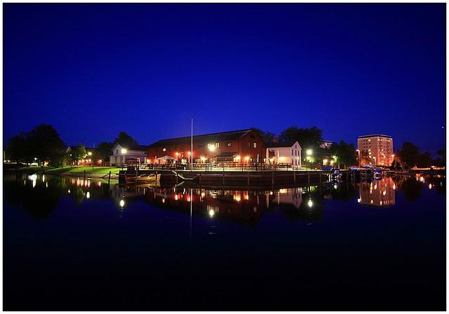 Kristinehamn by Night 01 by karlstad Igår, via Flickr