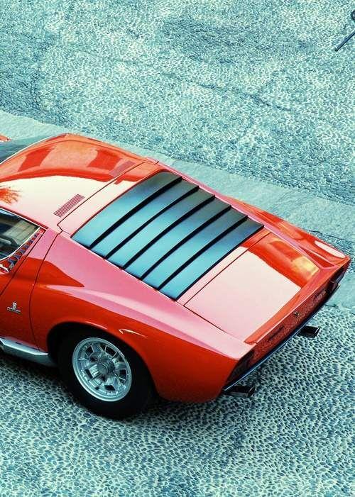 lamborghini miura 2 door coupe 4 ltr v12 engine lamborghinis flagship sports car