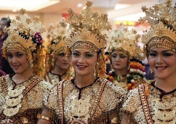 Palembang women