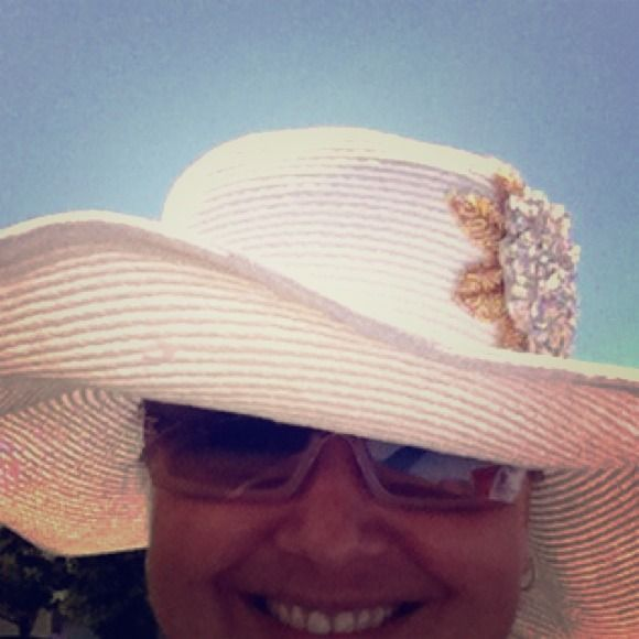 Jovan Jane Original Beach Hat Gorgeous Jovan Jane Original Embellished Beach Hat. White with Gold. As seen on Kathy Wakile from the Real Housewives of New Jersey. Jovan Jane Accessories Hats