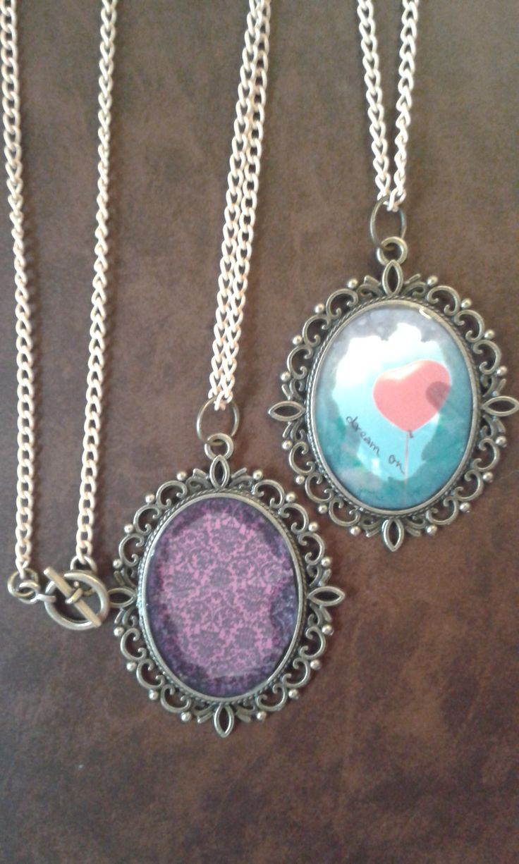 first time making resin pendants^-^ I dont know...I kind of like them...<3