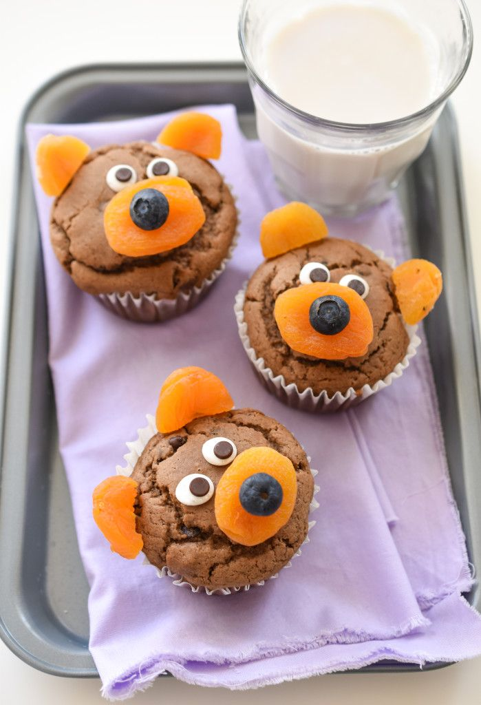 Make your little ones squeal with delight at breakfast this Valentine's with the Top 8 Free Chocolate Teddy Bear Muffins!