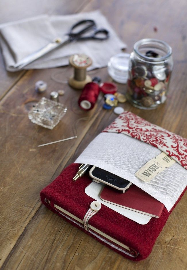 Brought to you by Good's craft expert Susan Elijas and in association with Brother, here's a handy holder for your favourite notepad, pens and phone - ideal for when you're heading into a meeting or ready to write some poetry.