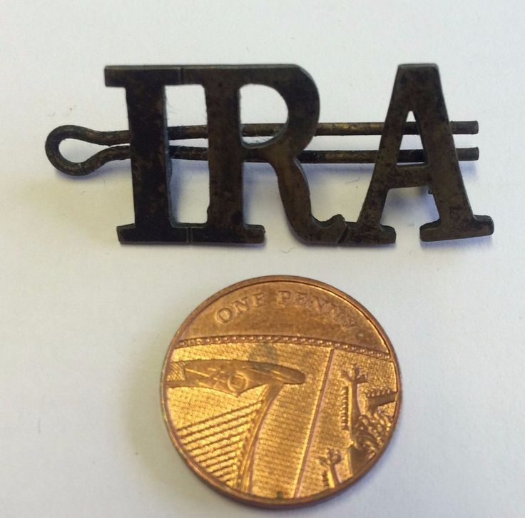 IRA PIN BADGE IRISH VOLUNTEERS IRELAND REPUBLICAN ARMY BRASS? SINN FEIN in Collectables, Badges/Patches, Club/Association Badges |…